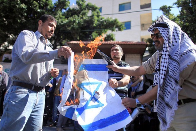 "Česká společnost přátel Izraele Palestinian-union Union threatened Palestinian artists with expulsion if they engaged in ""normalization"" with Israel Palwatch.org"