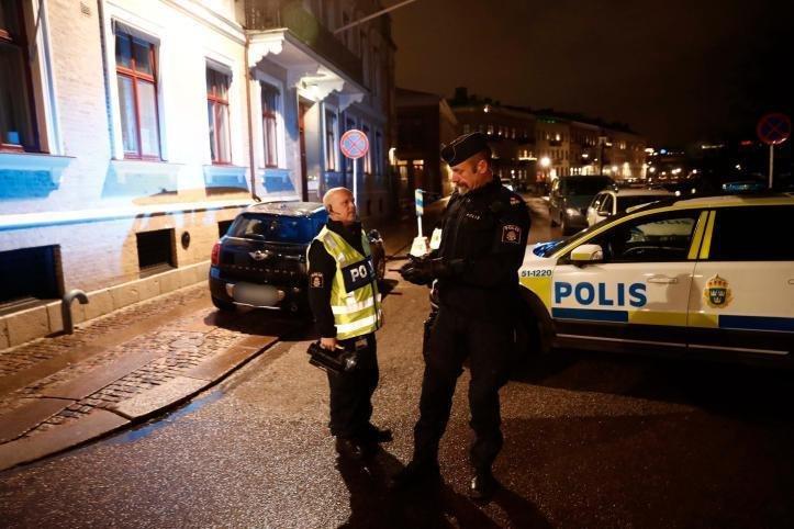 Český spolek přátel Izraele masked-muslim-terrorists-threw-firebombs-at-sweden-synagogue-5 Švédský soud: Možný zájem Izraele o teroristu je oprávněným důvodem pro jeho politický azyl Novinky Svět