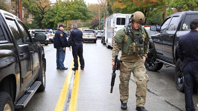 Česká společnost přátel Izraele 99d9af883f0cae4f1e3338773bf5_r16_9_w640_h360_g18759932da0f11e88bfaac1f6b220ee8 Jedenáct lidí zahynulo při střelbě v americké synagoze, útočník byl zadržen Izrael a svět Novinky