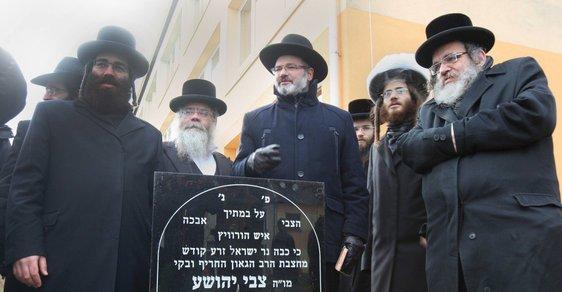 Česká společnost přátel Izraele 5412490_zide-v0 V Evropě narůstá antisemitismus. Devět z deseti Židů se podle průzkumu v EU necítí bezpečně Izrael a svět